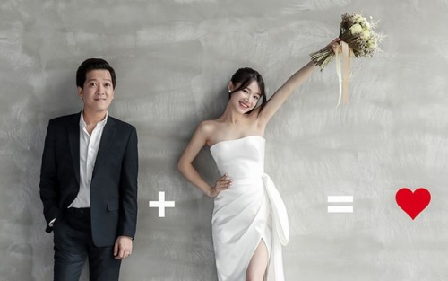Vật bất ly thân được Trường Giang và Nhã Phương mang lên ảnh cưới
