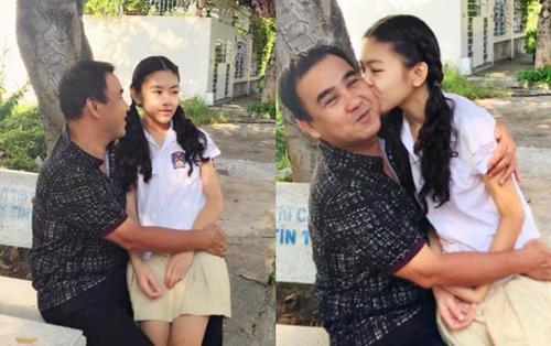 Bà xã tiết lộ bí mật con gái cao 1m7 trong khi Quyền Linh chỉ cao hơn 1m6