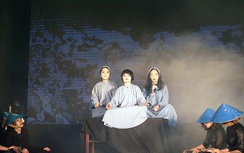 Sinh viên Học viện Báo chí & Tuyên truyền 'quẩy' hết nấc trong đêm hội Halloween hoành tráng nhất Hà Nội