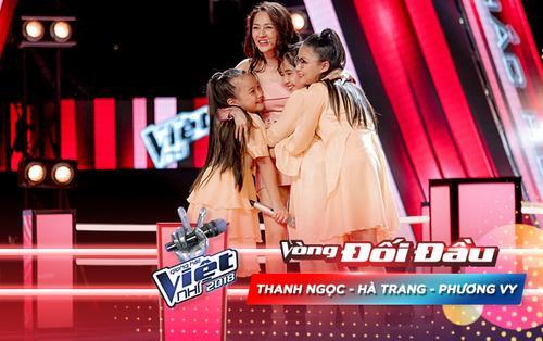 'Ba bông lúa nhỏ' Thanh Ngọc - Phương Vy - Hà Trang vừa hát vừa múa nhạc dân ca 'oanh tạc' vòng Đối đầu