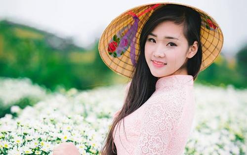 Nữ sinh lọt chung kết The Face ĐH Thăng Long nhờ lợi thế diện áo dài đẹp xuất thần