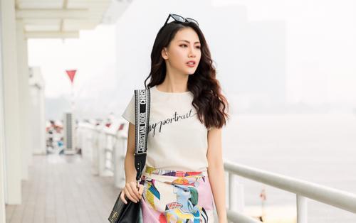 Siêu mẫu vàng Quỳnh Hoa gợi ý chọn váy sang chảnh trẻ trung cho nàng dạo phố