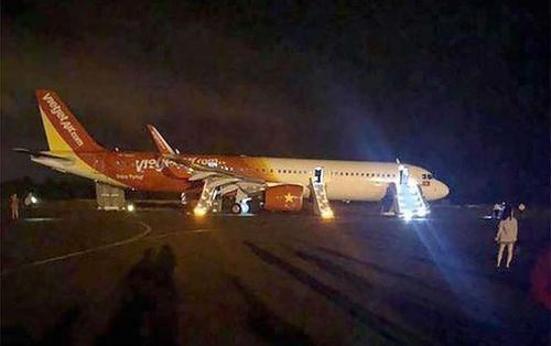Vụ máy bay bị văng bánh tại sân bay Buôn Ma Thuột: Thu bằng lái của 2 phi công VietJet