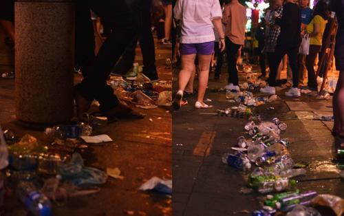 Sau khoảnh khắc giao thừa chào đón năm mới 2019, Sài Gòn lại ngập rác