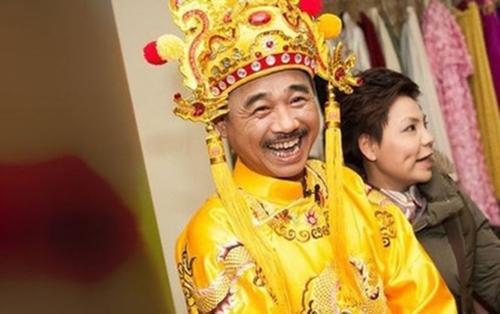 NSND Trung Hiếu chịu dừng cuộc chơi để cưới vợ rồi nhưng 'Ngọc hoàng' Quốc Khánh vẫn thích 'độc thân vui vẻ' dù đã ở tuổi 57