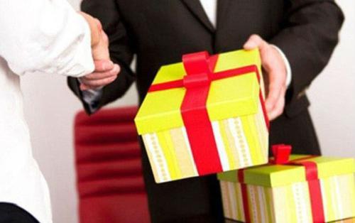 Hà Nội cấm biếu, tặng quà Tết cho lãnh đạo dưới mọi hình thức