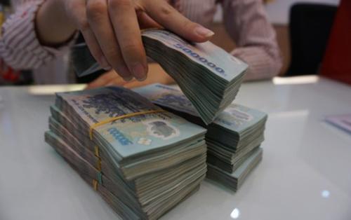 Choáng với mức thưởng Tết 'khủng' của nhân viên ngân hàng, có người được thưởng đến 9 tháng lương