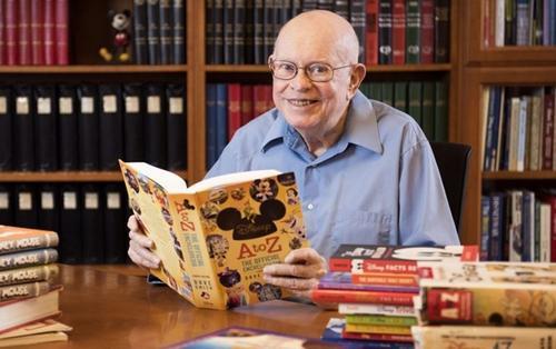Fan thế giới tiễn đưa Dave Smith - nhà sáng lập đầu tiên của công ty Walt Disney