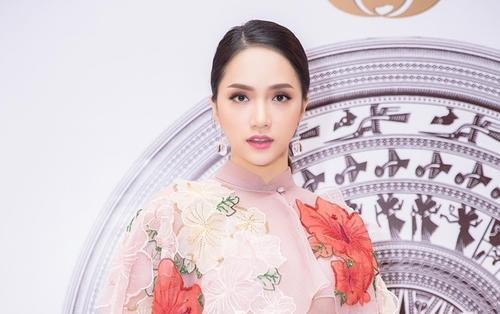 Lọt top '50 phụ nữ ảnh hưởng nhất Việt Nam', Hương Giang khiêm tốn chia sẻ: 'Em thấy mình quá nhỏ bé'