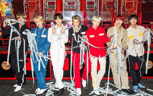 BTS trở lại vào tháng 4: Đã có thời điểm ra mắt, ngày pre-order và tên album