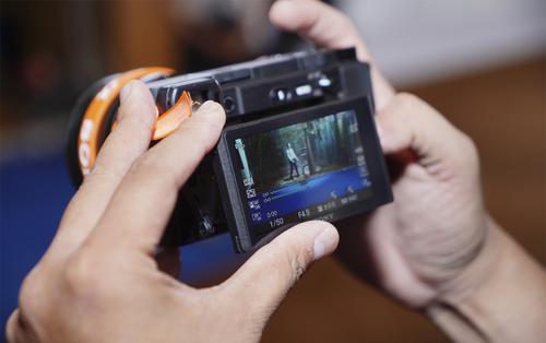 Sony trình làng máy ảnh không gương lật A6400 tại Việt Nam