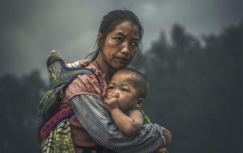 Bức ảnh chụp bà mẹ ở Việt Nam đạt giải 120.000 USD hoá ra là tác phẩm dàn dựng