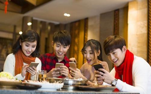 Trả tiền để được 'tâng bốc' trên mạng xã hội - cơn sốt sống ảo khó tin của giới trẻ Trung Quốc