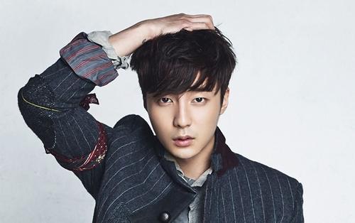 Roy Kim bị triệu tập điều tra vì nghi ngờ dính líu đến scandal phát tán ảnh đồi trụy của Jung Joon Young