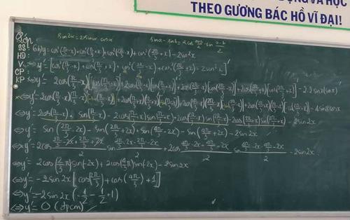 Vừa nhìn bài toán tính đạo hàm, nhiều người đã ngao ngán lắc đầu tự hỏi: 'Không hiểu tại sao mình đậu Đại học'