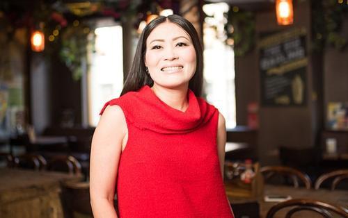 Từ khoản nợ 900.000 USD thành 'bà chủ đế chế thực phẩm' của người phụ nữ gốc Việt