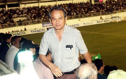 Bóng đá Việt Nam quá bạo lực: Bầu Đức phải ra tay thôi!
