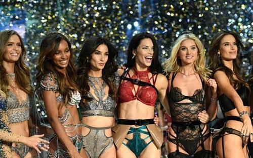 Victoria's Secret cổ phiếu lao dốc, giải tán loạt cửa hàng nhưng số phận show nội y mới gây lo lắng