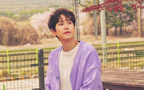 Vừa phát hành bản ballad ngọt ngào Time With You, Kyuhyun (Super Junior) tiếp tục trở lại 'rầm rầm' khiến E.L.F đứng ngồi không yên