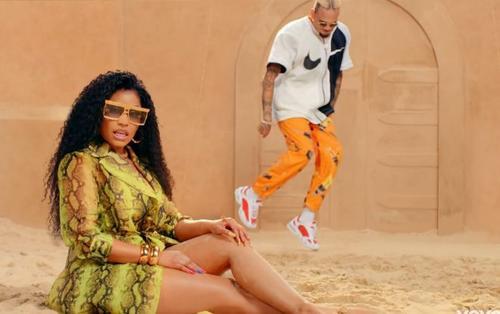 Chris Brown 'bắt tay' Nicki Minaj ra mắt MV Wobble Up, mặc kệ bị tẩy chay sau loạt ồn ào liên quan đến Michael Jackson