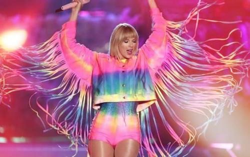 Sân khấu của Taylor Swift tại iheart radio 2019: Mọi điều tuyệt vời được gom góp dành cho cộng đồng LGBT