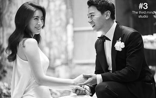 Bộ ảnh cưới đẹp lung linh của 'tài tử' Joo Jin Mo và bác sĩ mỹ nhân kém 10 tuổi