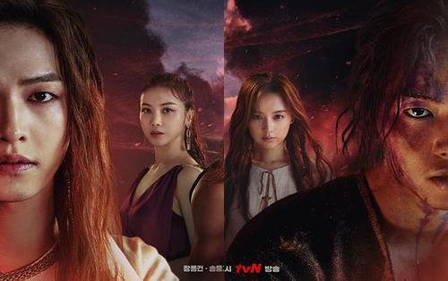 Poster mùa 2 phim 'Arthdal Chronicles' gây sốc khi có sự xuất hiện của 2 Song Joong Ki, cả 2 đều sẽ yêu Kim Ji Won