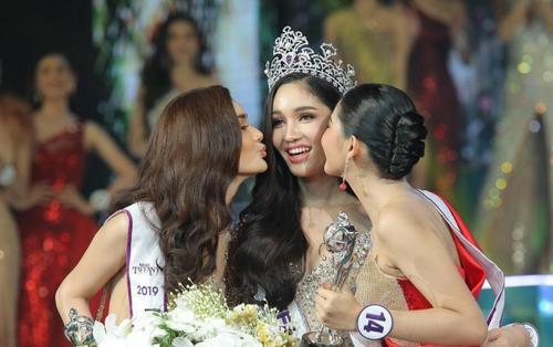 Cận cảnh nhan sắc Tân Hoa hậu Chuyển giới Thái Lan 2019: Gương mặt nữ thần, thân hình siêu mẫu!