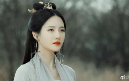 Trương Chỉ Khê trong vai Thanh Dao y quan của 'Thần Tịch duyên' khiến người khác đau lòng khi giảm cân quá mức
