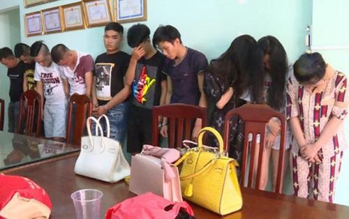 Dân chơiSài Gòn chạy ôtô đắt tiềnxuống Vũng Tàu mở 'tiệc' ma túy cùng5 cô gái