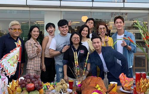 'Gạo nếp gạo tẻ' bấm máy phần 2: Thay hết diễn viên chỉ còn Thúy Ngân, Hồng Đào - Song Luân - S.T Sơn Thạch trở thành gia đình?