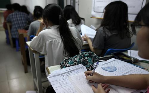 Hà Nội 'cấm cửa' tình trạng giáo viên đưa học sinh ra học thêm ở trung tâm do mình giảng dạy