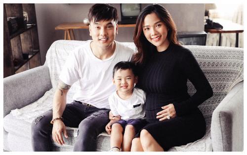 Bầu bí tháng thứ 8, bà xã Ưng Hoàng Phúc vẫn xinh đẹp quyến rũ trong bộ ảnh chụp cùng chồng