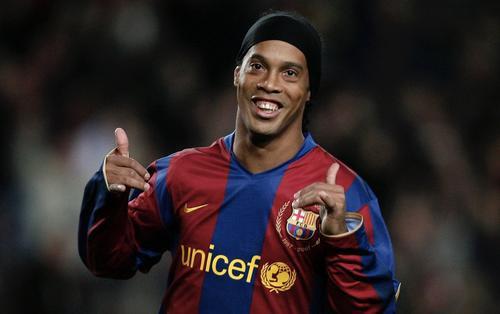 Ronaldinho và thú vui quái đản chuyện 'giường chiếu' trước mỗi trận đấu