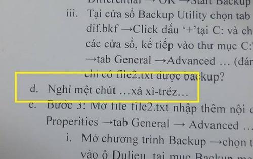 Thầy giáo đáng yêu nhất hệ mặt trời: Biết học sinh lười đọc nên thả ngay một câu xả stress vào ngay giữa tài liệu!