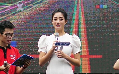 Hoa hậu Lương Thùy Linh hội ngộ dàn sao 'khủng' trong ngày chào 'ma mới' Đại học Ngoại thương