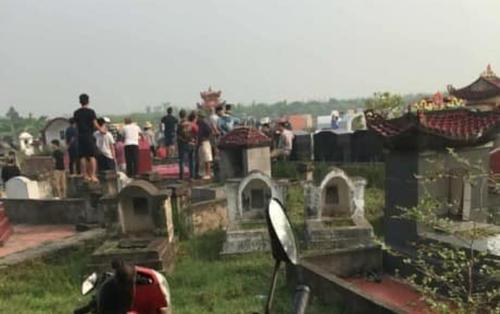 Nghi án người đàn ông sát hại nhân tình phi tang xác ngoài nghĩa trang rồi uống thuốc diệt cỏ tự tử
