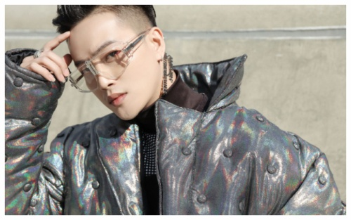 Không còn là thảm họa thời trang, TiTi (HKT) được vây kín tại Seoul Fashion Week với style 'cực khét'
