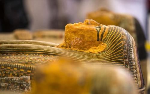 Ai Cập trưng bày 30 quan tài chứa xác ướp 3.000 năm còn nguyên vẹn