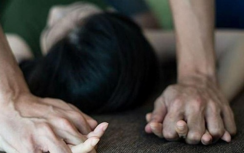 Đột nhập trộm tài sản bị phát hiện, thanh niên 9X khống chế cưỡng hiếp chủ nhà
