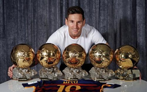 Messi hơn Ronaldo về hiệu suất được đề cử Quả bóng vàng