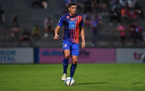 Thái Lan đấu Việt Nam: 'Messi Thái' trở lại, 'sao' gốc Âu cao gần 2 mét