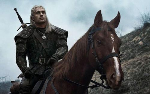 Netflix tung trailer 'The Witcher' của Henry Cavill, hé lộ ngày ra mắt chính thức!