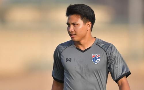 Cầu thủ tát Đoàn Văn Hậu bị loại khỏi ĐT Thái Lan