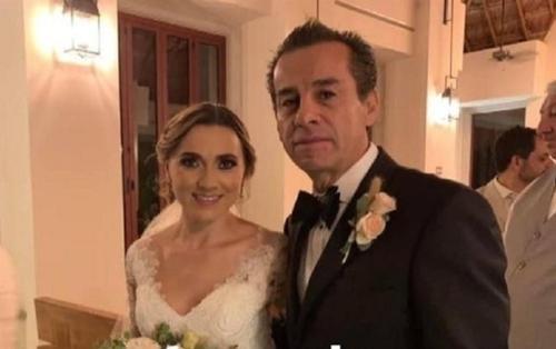 3 năm sau khi con trai qua đời, cựu thị trưởng Mexico cưới con dâu