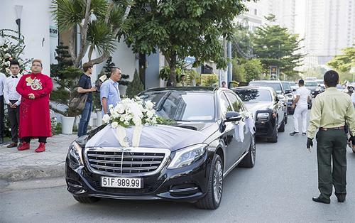Rolls-Royce Ghost vàMercedes-Maybach S600 trong đám cưới Bảo Thy có gì đặc biệt mà giá gần 40 tỷ đồng?