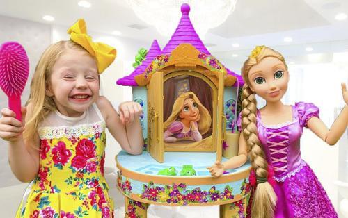 Cảm phục với cô bé 5 tuổi bị chứng bại não nhưng vẫn kiếm hơn 417 tỷ trên YouTube