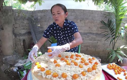 5 món ăn tai tiếng khiến Bà Tân Vlog lao đao, mất không ít sub