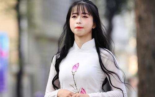 'Hotgirl làng võ' Châu Tuyết Vân chia sẻ về những cái tết vắng nhà