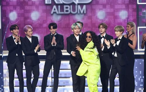 Nữ ca sĩ được BTS trao giải Grammy H.E.R thả thính' hợp tác, một siêu phẩm âm nhạc sắp xuất hiện?